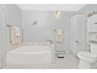 Master Bathroom_20