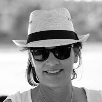 Linda Andersen Headshot