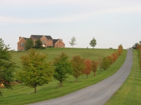 FARMMAIN HOUSE UP DRIVE NICE PICTURE