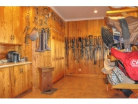 Main-Barn-Tack-Room-2_7