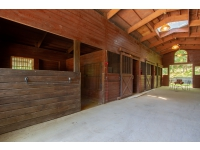Amazing Barn with Heated Tack Room, Bath and Automatic Water